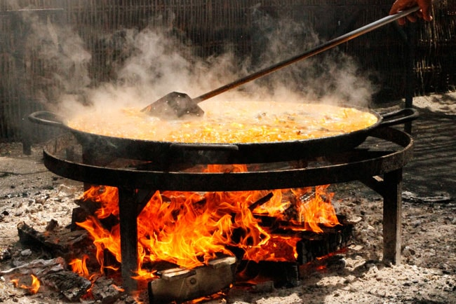 Paella Recipe with chicken made in a traditional way